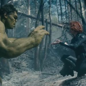 avengers-age-of-ultron-black-widow-hulk