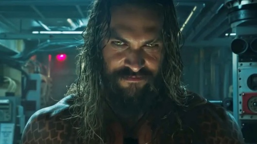 gooreviews-aquaman-momoa2.jpg